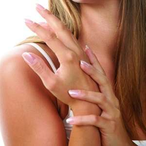 Treating Fingernail Fungus Infections